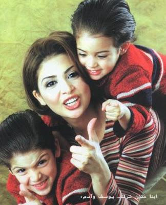 17 صور عائلات الفنانين ابناء و زوجات فنانين لم يظهروا فى الاعلام من قبل