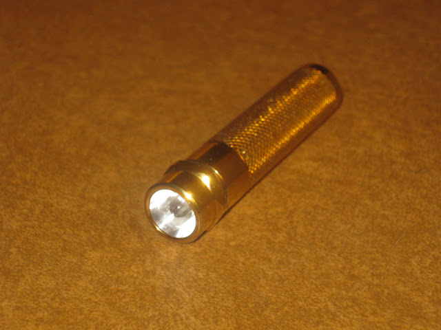 Sunwayman R01A, showing the Nichia 5mm LED emitter