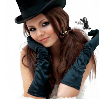 Victoria Justice Beautiful Wallpaper Wearing Hat