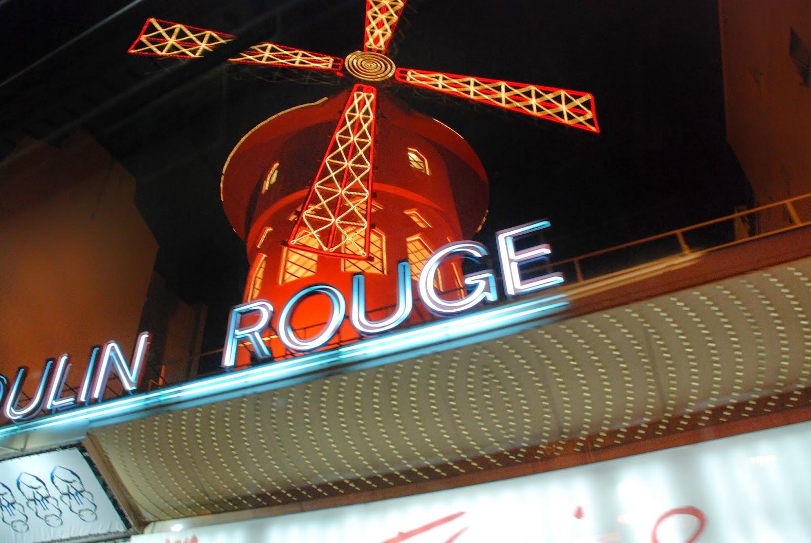 Moulin Rouge, Párizs, Franciaország, kultúra, Doriss-lányok, Féerie, kánkán, tánc, revü,