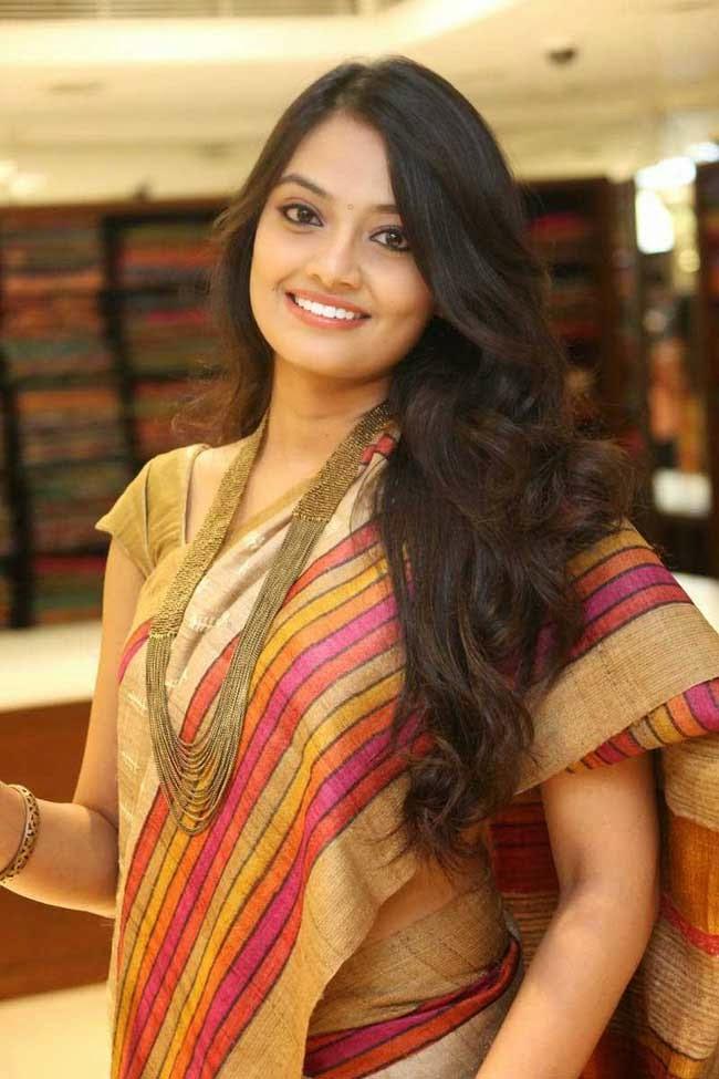 Nikitha Narayan At Kalamandir 4th Anniversary Event