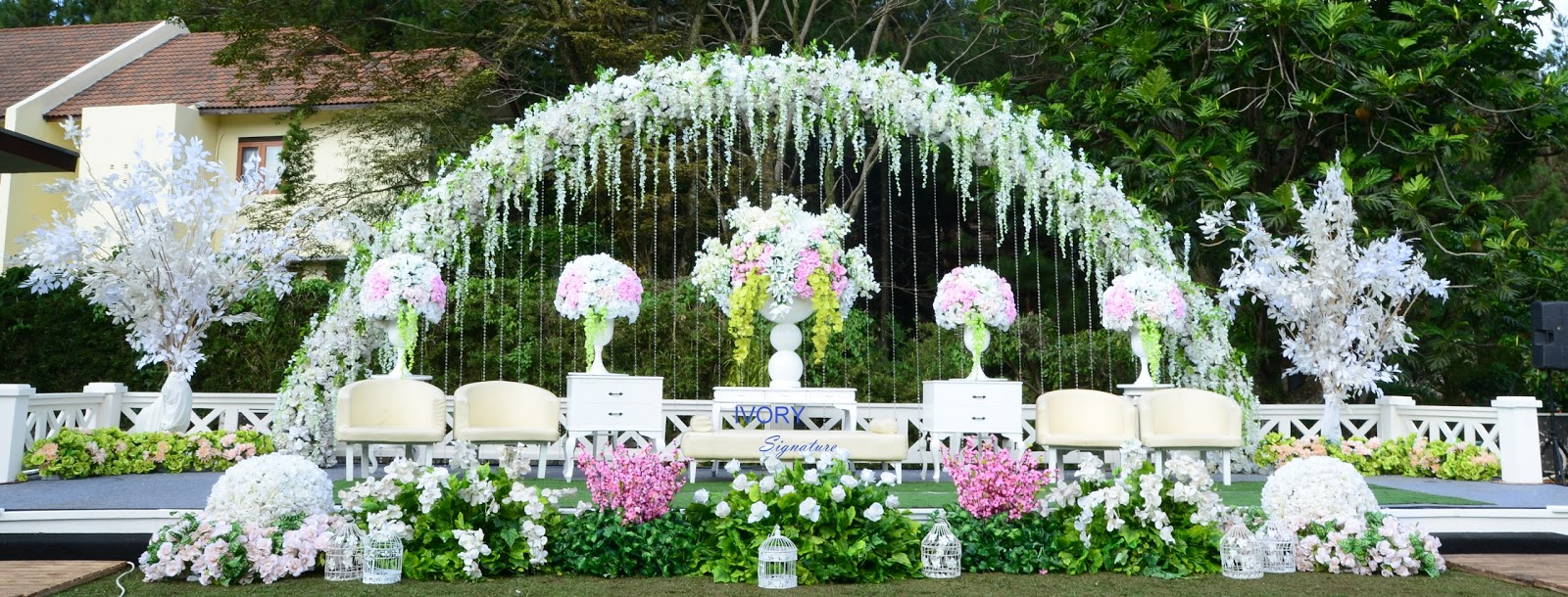 Ivory signature catering and decoration by ivory signature arini ilham wedding sunday may 30th 2015 maximo resto puri setiabudi bandung junglespirit Choice Image