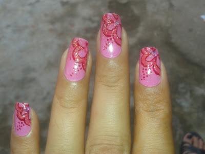polka nails by pari sangha