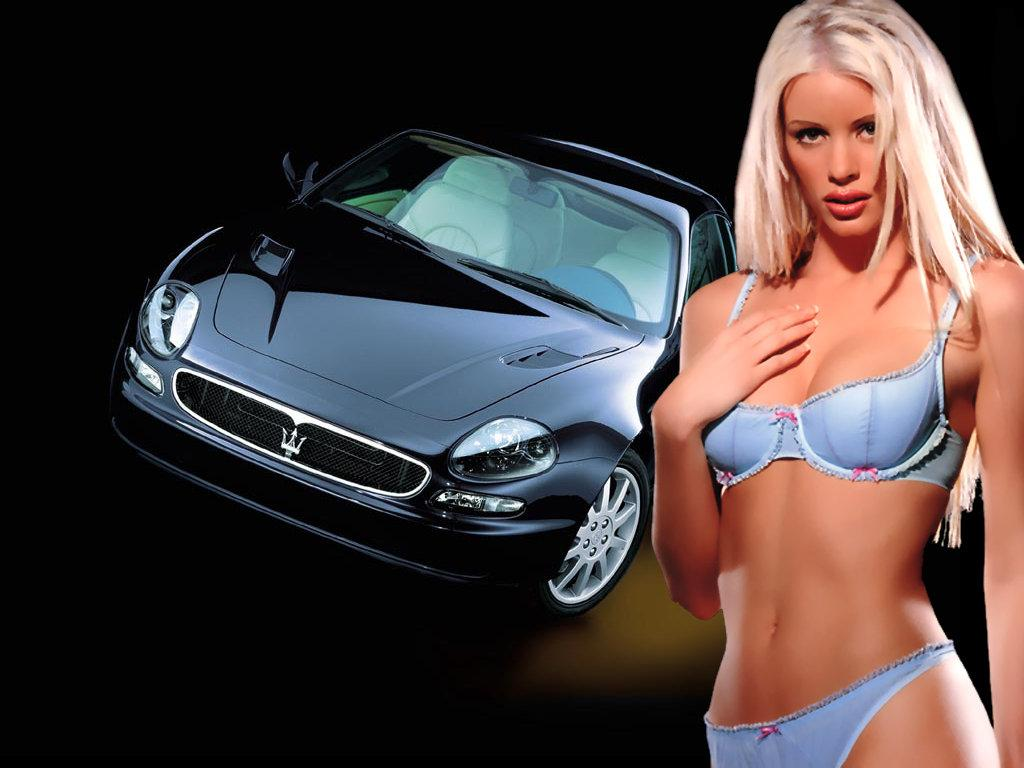 sexy girls with car. Type : JPG Dimension : 1024 X 768 px