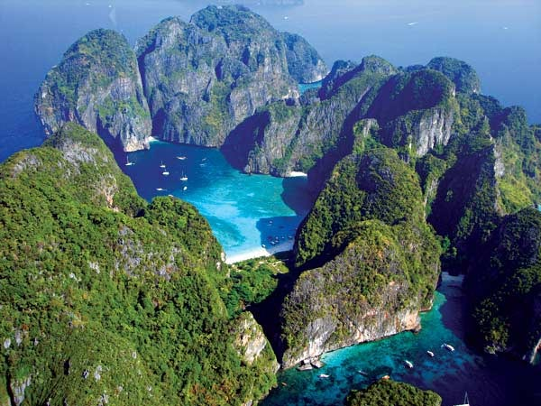 Koh Phi Phi Thailand  city photo : Koh Phi Phi Leh, Thailand, home of the beach location for filming of ...