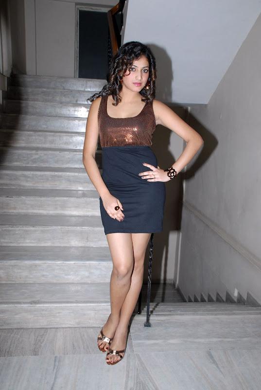 Hari Priya Hot Stills at Pilla Zamindar Audio Event Hari Priya Spicy Photos navel show
