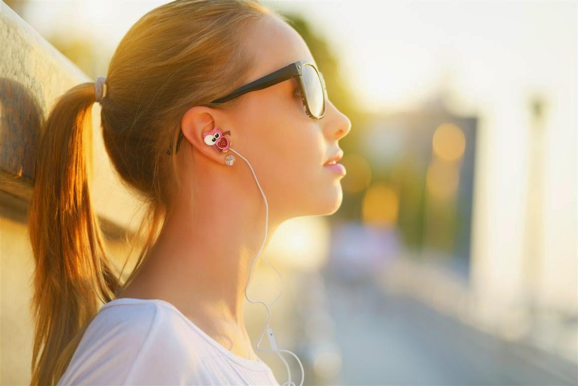 Klacelyn.it: Questa estate indossa LolaChat i primi auricolari ...