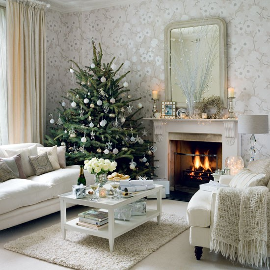 Home interior design christmas living room decorating ideas for Living room xmas decorations