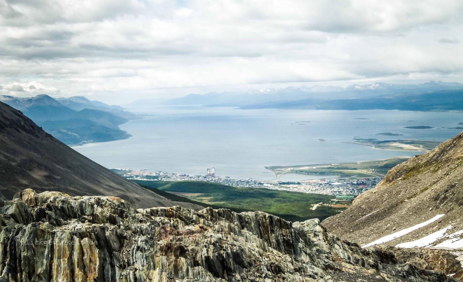 Blick auf Ushuaia und die Magellanstraße vom Martial Gletscher