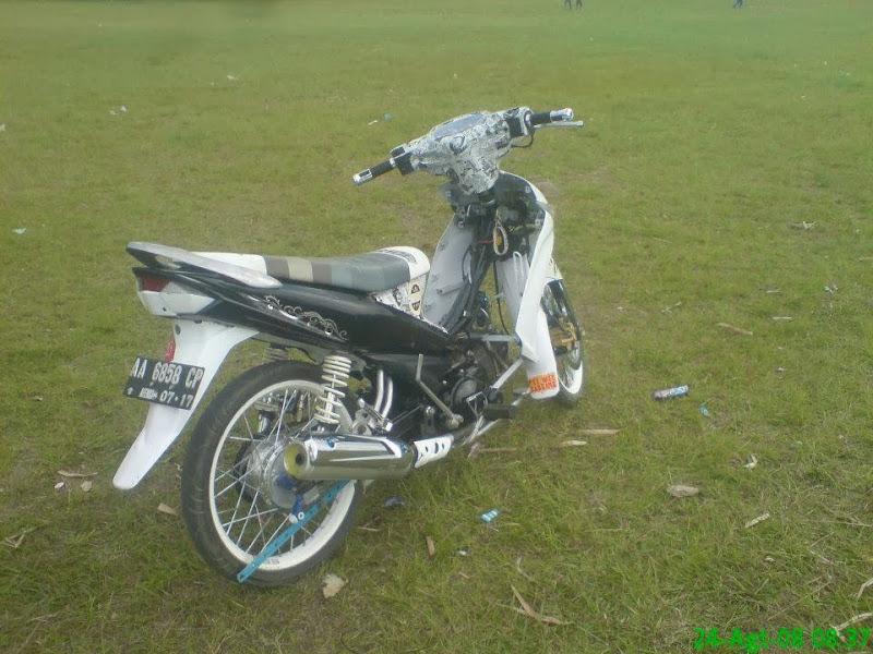 artikel kali ini mengenai Gambar Modifikasi Motor Yamaha Vega ZR  title=