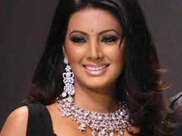 Geeta Basra showing jwellary images wallpapers and photos