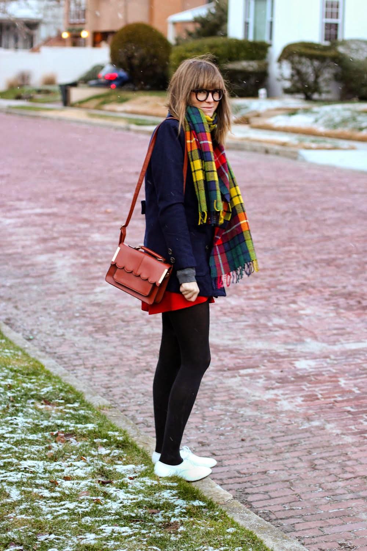 aeropostale gingerbread sweater, charlotte russe circle skirt, forever 21 peacoat, vintage white oxfords, vintage fashion blog, nyc vintage blog