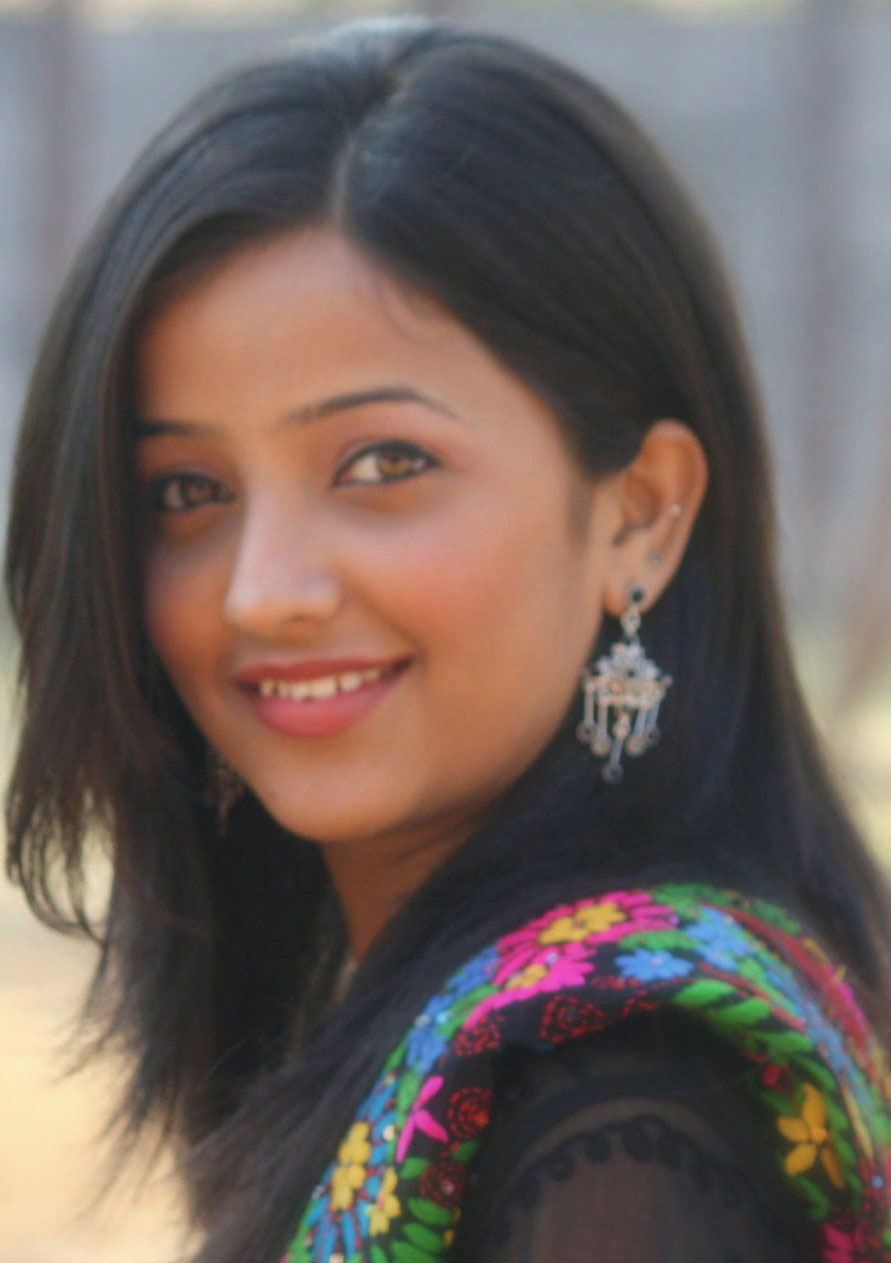 Filmy Girls: Cute Marathi TV Actress Apurva