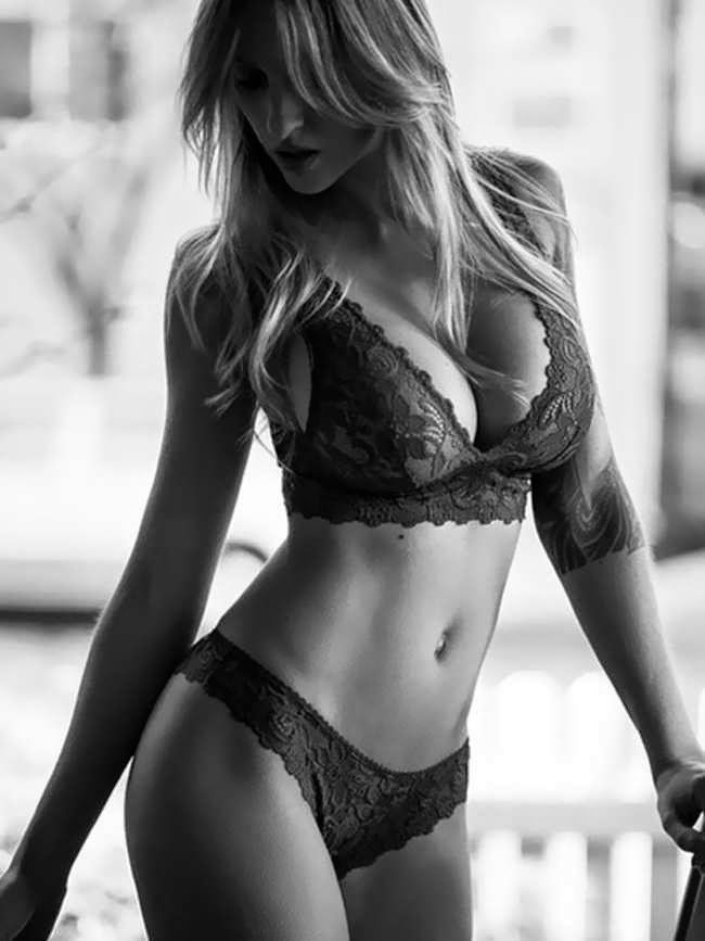 Alyssa Barbara shows off curves for Lace Lingerie photoshoot