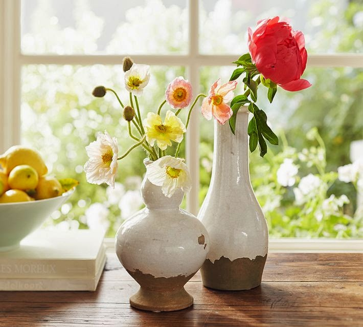 http://www.potterybarn.com/products/tuscan-urns-cachepot-white/?pkey=call-home-accents&cm_src=all-home-accents||NoFacet-_-NoFacet-_--_-