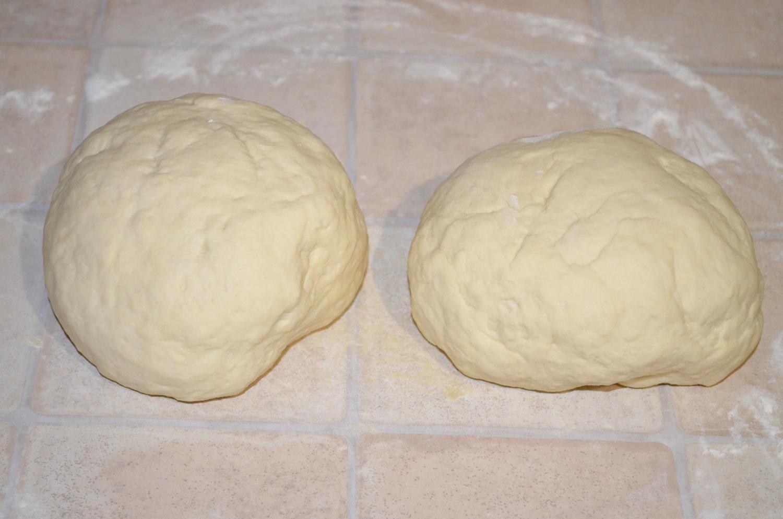 Хлеб домашний: Тесто разделить на 2 части