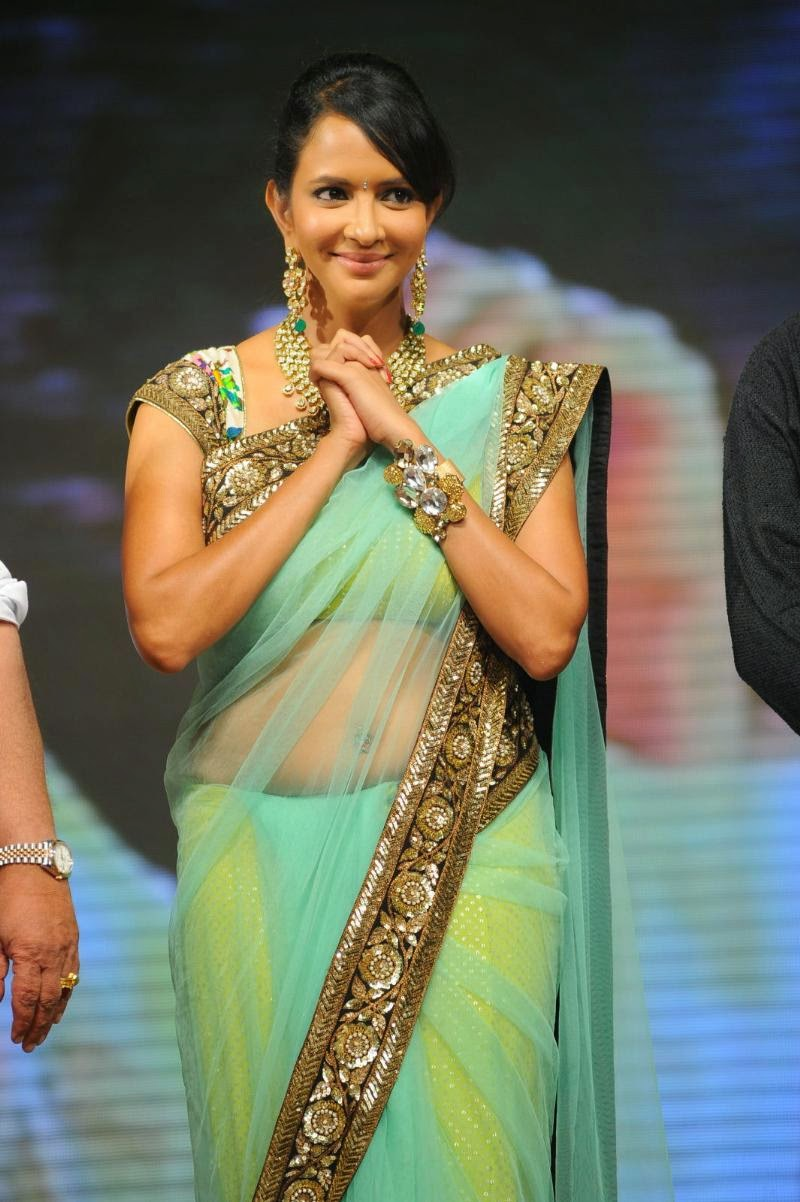 Actress Lakshmi Manchu Latest Hot Navel Show Stills