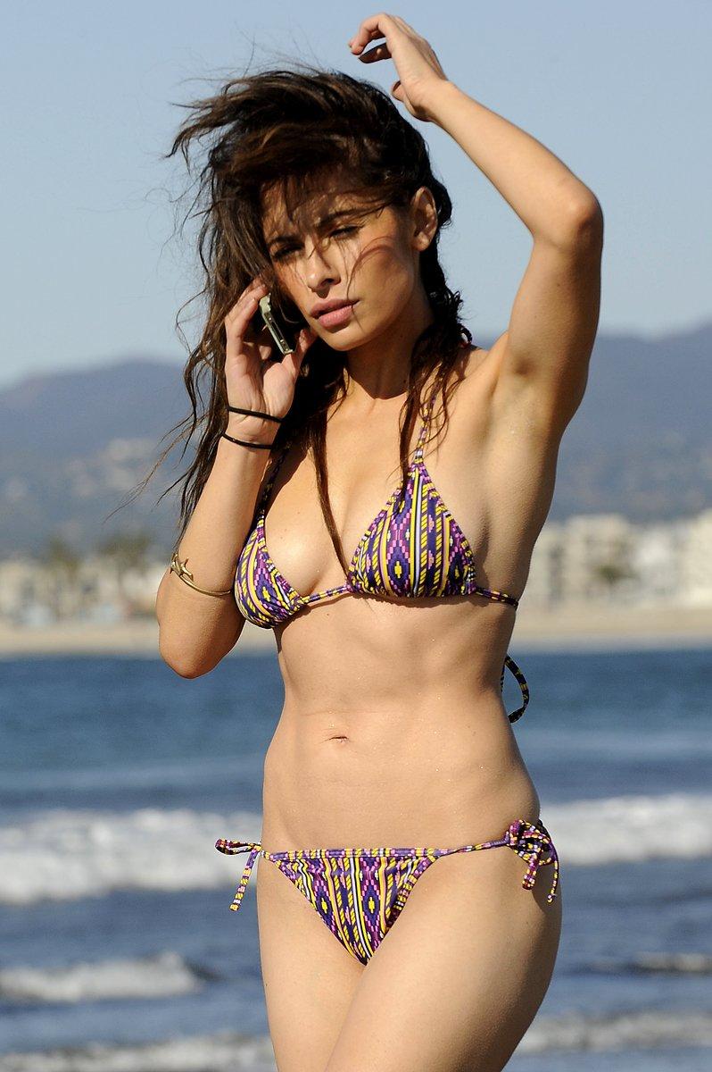 sarah shahi bikini candid picture