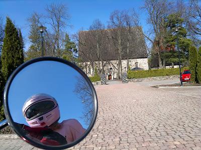 Viivi, Honda CX 500, Lohja, Lohjan kirkko, Pyhän Laurin kirkko