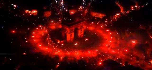 Arco del Triunfo rojo