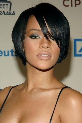 Celebrity Celeb: Rihanna Short Hairstyles