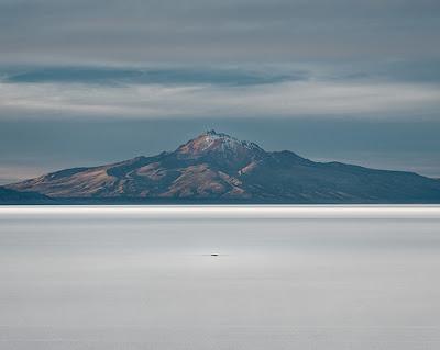 Vista del cerro tunupa en Salinas de Garci Mendoza