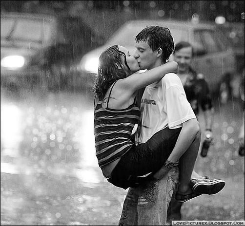 Kiss a Girl in the Rain by Nancy Warren | 2940046157369