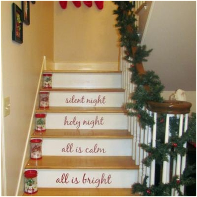 Decorate The Stairs For Christmas: STAIRCASES DECORATION ON CHRISTMAS