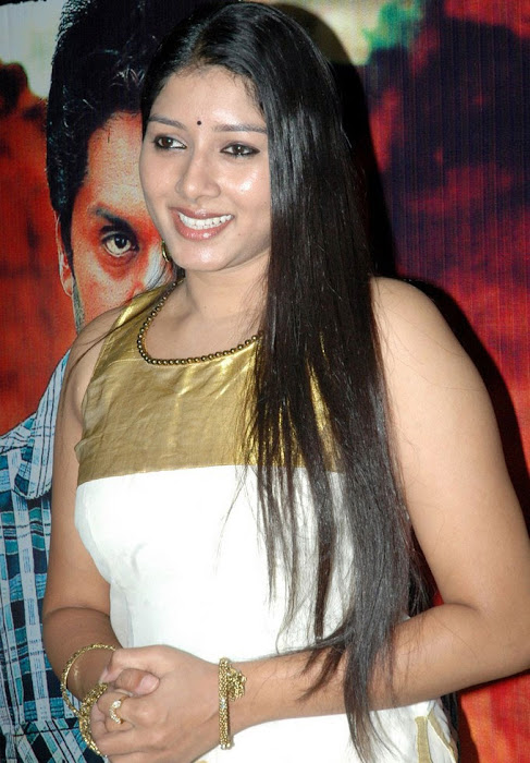 anu gets her actress pics