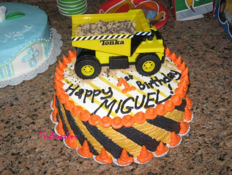Cakeopolis 44 Miguels 1st Birthday Cake Dump Truck