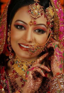 Duniya Mein Tera Husan - Love Shayari