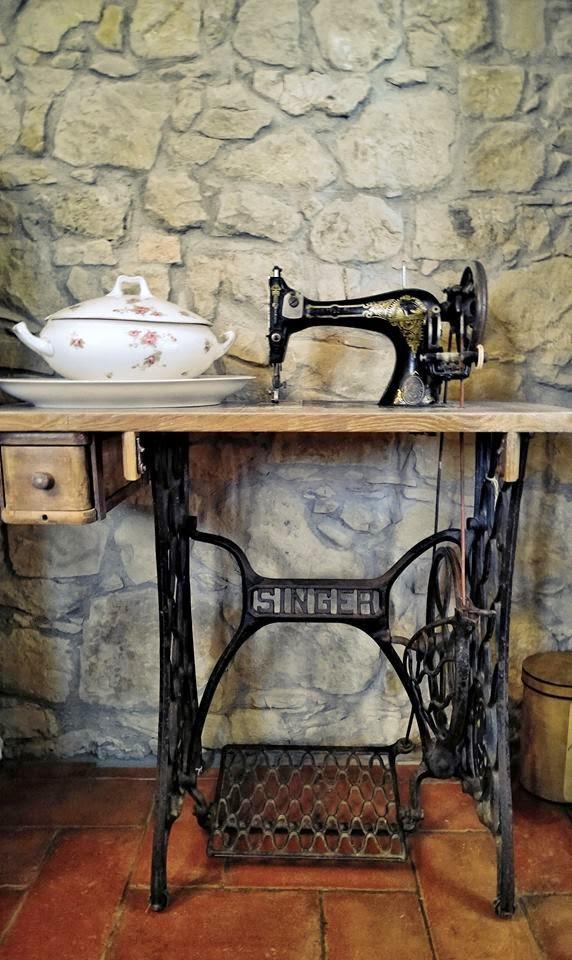 Passione shabby cosa si pu ricavare da una vecchia macchina da cucire - Tavolo con macchina da cucire ...