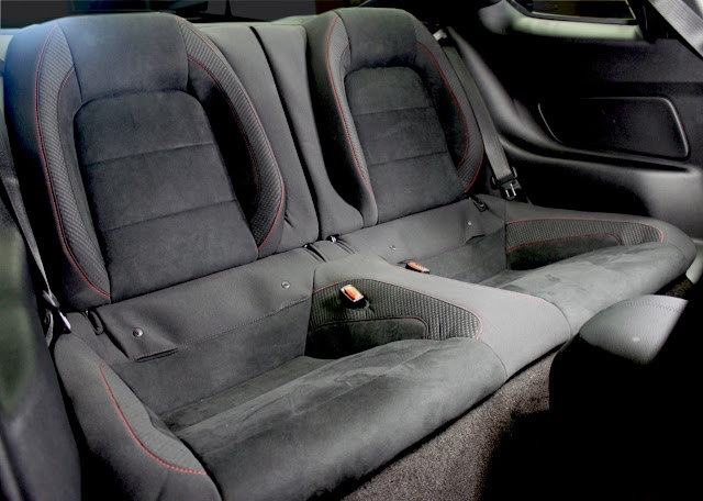 2016 Ford Mustang Shelby GT350R back seat