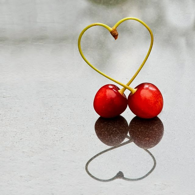 http://1x.com/photo/43192/category/still-life/latest-additions/love-cherries