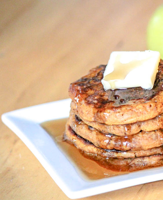 Featured Recipe | Simple Apple Pancakes from Daily Dish Recipes #SecretRecipeClub #recipe #apple #pancakes #breakfast