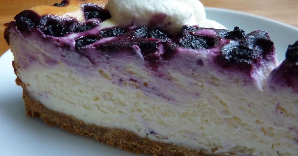 cheesecake med blåbär och vit choklad