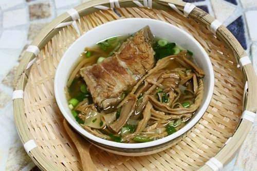 Vietnamese Food - Măng Khô Hầm Xương