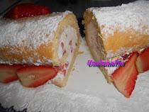Festa della donna Rotolo di pan di spagna con panna e fragole