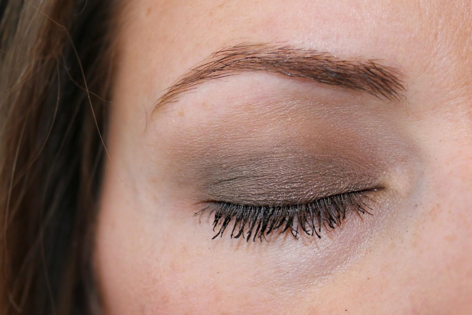 blushing basics: Eye Makeup Tutorial {Step by Step}