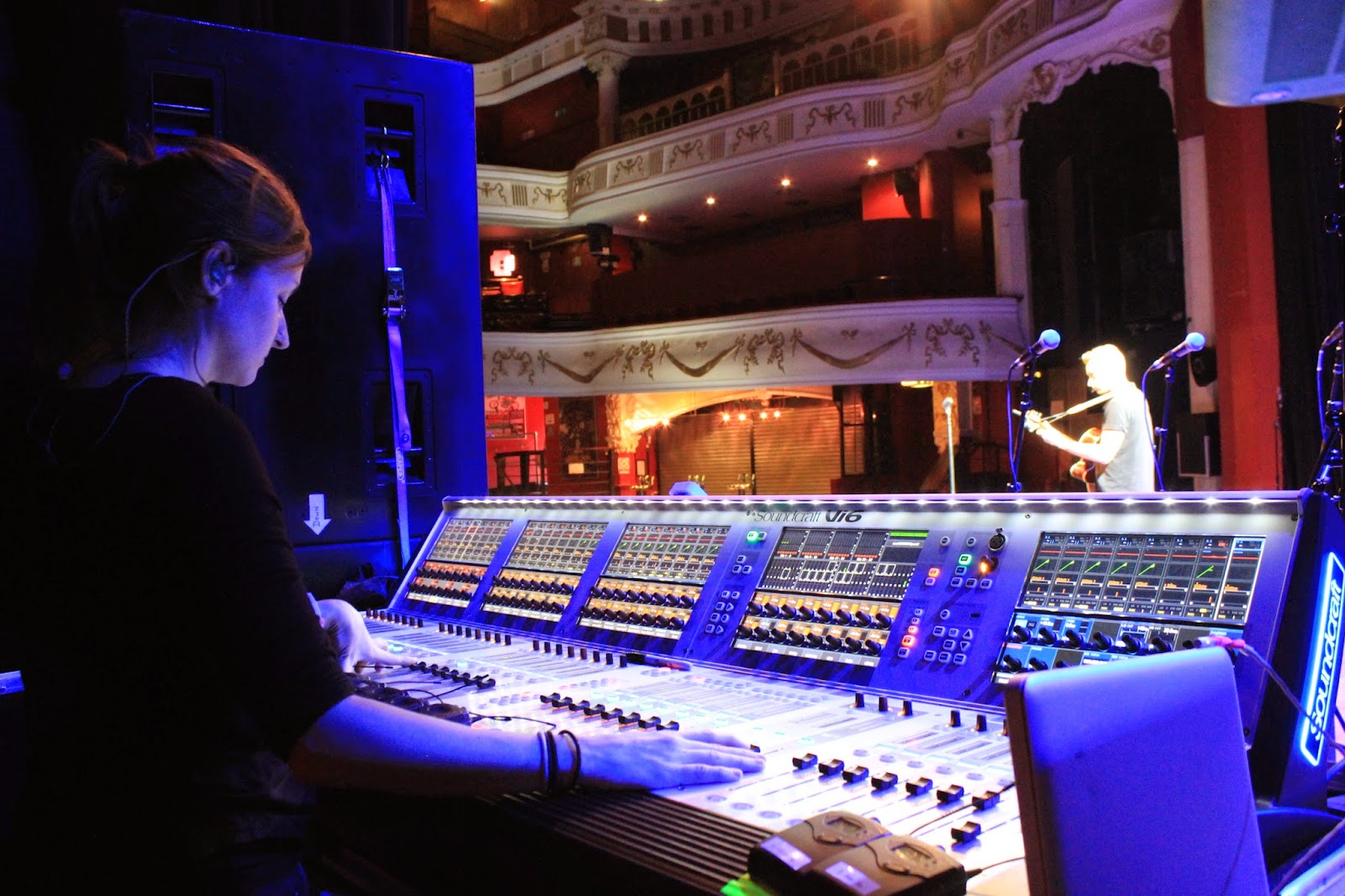 how to become a live sound engineer