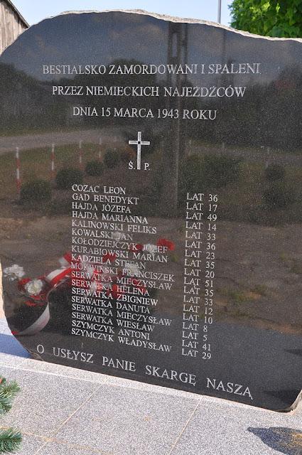 Skronina, pomniczek - kamień z listą poległych w tym miejscu: 15 marca 1943.
