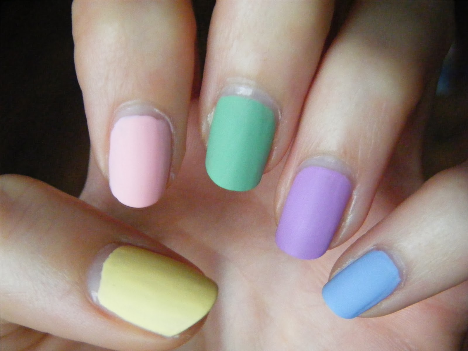 GOT skittle Model own pastel nails