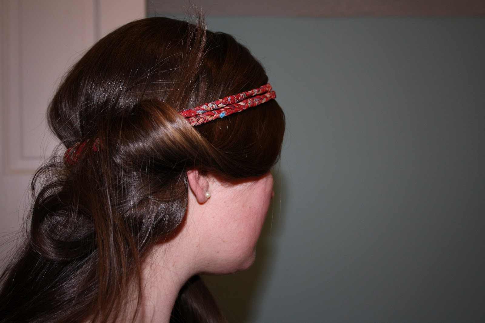 how to get the hair under a headband out