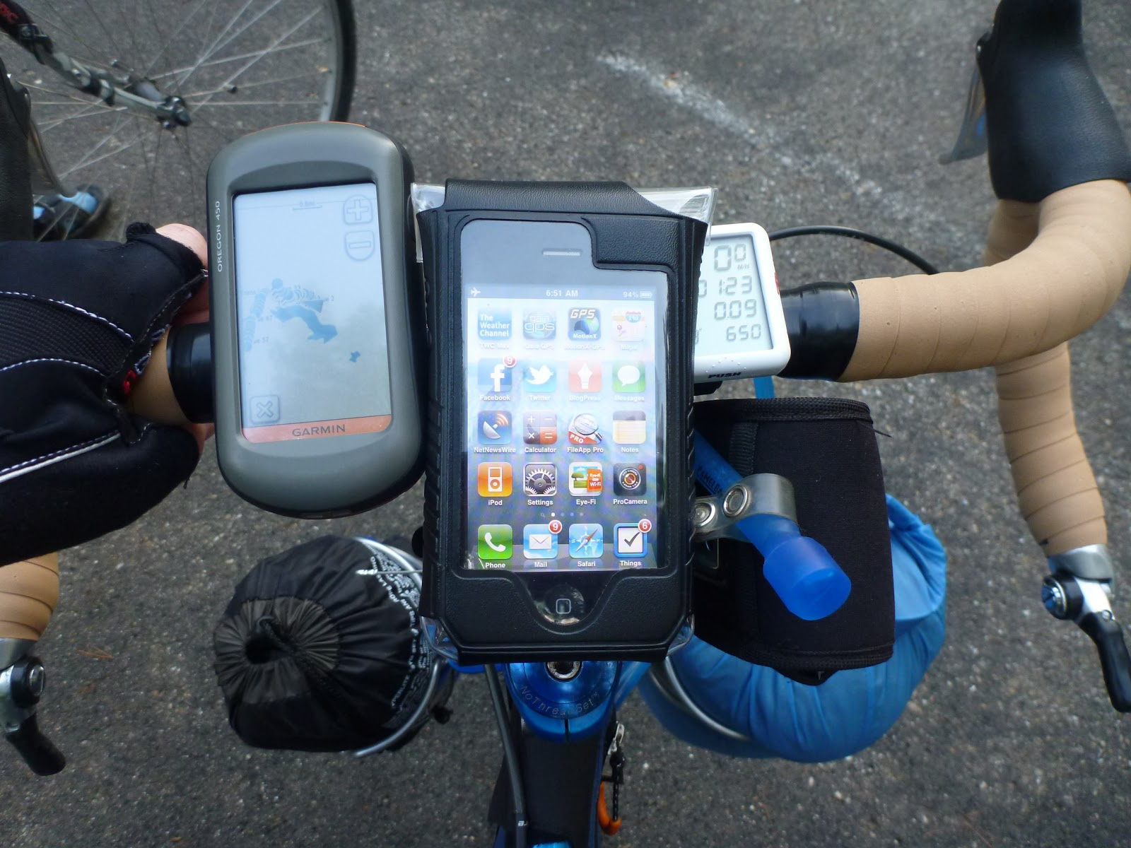 i will be the first to admit that i brought way too many electronics on this trip you can see in this photo the garmin oregon 450 gps unit my iphone 3gs