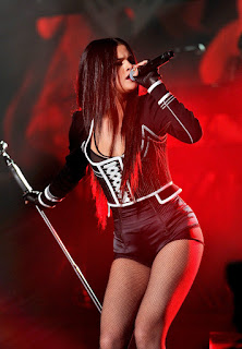 Selena Gomez at WiLD 94.9%E2%80%99s FM%E2%80%99s Jingle Ball 2015 in Oakland 5.jpg