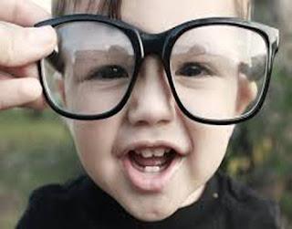 ضعف البصر التلاميذ الصغار