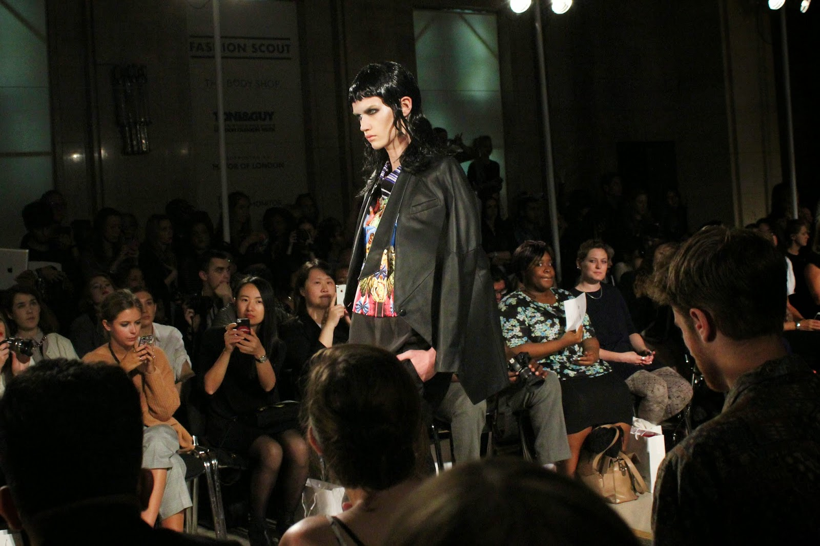 london-fashion-week-2014-lfw-spring-summer-2015-blogger-fashion-Dora-Abodi-catwalk-models-freemasons hall-fashion-scout-dress-blazer
