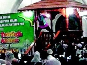 Thumbnail image for Aksi Ustaz 'Jemaah, Oh Jemaah' Yang Melampau Ketika Berkhutbah Dikritik