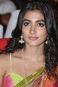 Pooja hegde glamorous photos-thumbnail-6