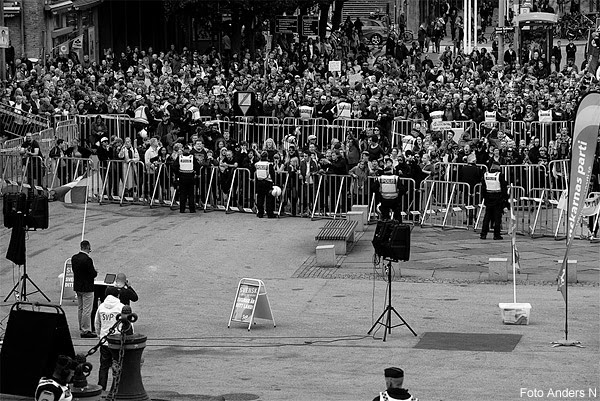 svp, svenskarnas parti, partiledare, partis, stefan jacobsson, talar, håller tal, tal, götaplatsen, Göteborg